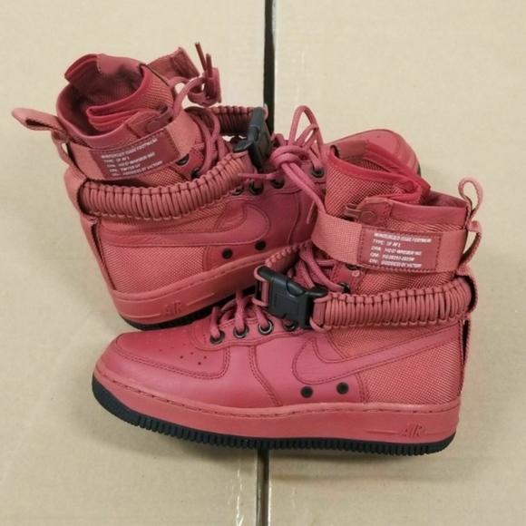 Nike Womens SF AF1 Special Field Air Force 1 High Cedar Size